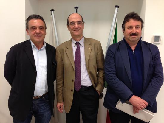 Il 3° membro di Presidenza Rolando Bellandi, al centro il Presidente Ismaele Ridolfi, a destra il Vice Presidente Enrico Bertelli